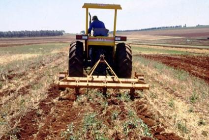 Implementos agrícolas - Escarificador Agrícola