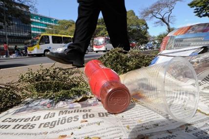 Preservação do Meio Ambiente: Não jogar lixo na rua